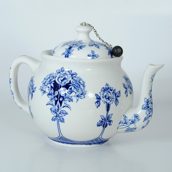 Teapot Flower Blue Argyle Style Buffalo Pottery 1914 Cream Colored Teapot And Lid With Blue
